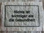 BBオリジナル ドイツ語タグ「健康が一番」 (カーボン)