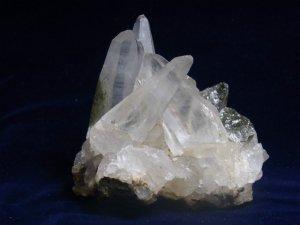 ガネーシュヒマール産ヒマラヤ水晶 2層のファントム、クローライト、セルフヒールド、レインボー