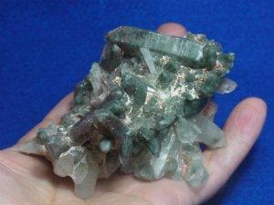 アフガニスタン産水晶クラスター 多数のグリーンファントム