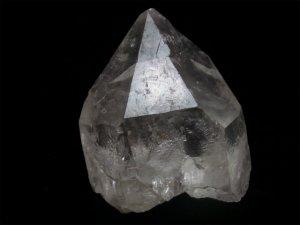 スカルドゥ産ヒマラヤ雷水晶ライトニングクォーツ 逆三角形の窪み、キークリスタル、右水晶、レインボー