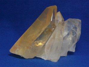 アーカンソー州産水晶クラスター ゴールデンヒーラー、プレンティレコードキーパー、ウインドウ、左水晶、小さいスターバースト
