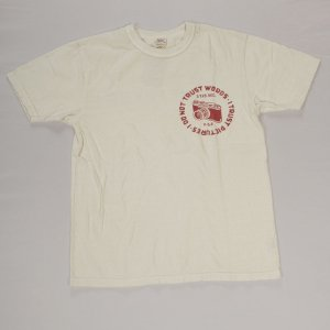 CAMERA Tシャツ ホワイト/レッド<img class='new_mark_img2' src='https://img.shop-pro.jp/img/new/icons9.gif' style='border:none;display:inline;margin:0px;padding:0px;width:auto;' />