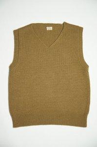 メリノラムズウールミドルゲージスリーブレスセーター(オークブラウン)