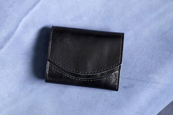 2016年5月:今月の小さいふ。父の日 山羊革ブラック(ロゴなし) × クアトロガッツ 小さい財布 ペケーニョ