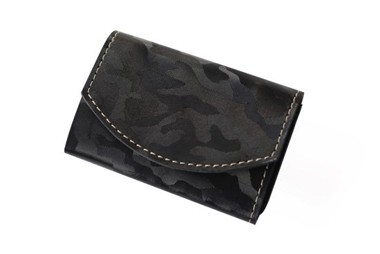 2016年8月:今月の小さいふ。SolidCamouflage 〜黒迷彩〜 × クアトロガッツ 小さい財布 ポキート