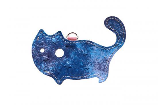【猫グッズ】猫のかたちをしたリップクリームケース 星に願いを 〜夜空〜