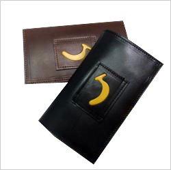 「POPOPEKUオリジナル☆バナナウォレット」収納スペースがたくさんのお財布です。