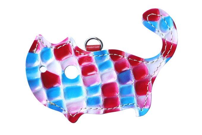 ステンドグラスシリーズ「猫のかたちをしたリップクリームケース stendglass カルメン」猫グッズ 赤×青
