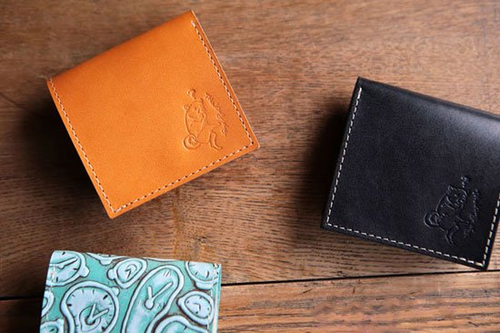 小さいふ。カラーオーダーシリーズ「世界一小さい財布を目指して作った日本一?小さいミニ財布 PICCOLO」栃木レザー