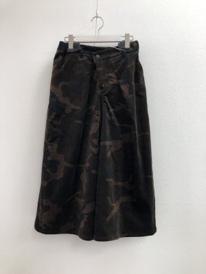 <img class='new_mark_img1' src='https://img.shop-pro.jp/img/new/icons12.gif' style='border:none;display:inline;margin:0px;padding:0px;width:auto;' />camouflage print skirtカモフラージュプリントベロアスカート