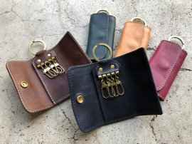 Compact Key Case Italy Vachetta Leather<img class='new_mark_img2' src='https://img.shop-pro.jp/img/new/icons13.gif' style='border:none;display:inline;margin:0px;padding:0px;width:auto;' />