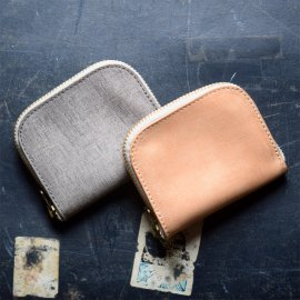 Roberu Half Round Wallet<img class='new_mark_img2' src='https://img.shop-pro.jp/img/new/icons13.gif' style='border:none;display:inline;margin:0px;padding:0px;width:auto;' />