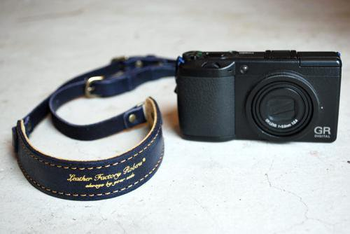 ROBERUコンパクトカメラストラップ