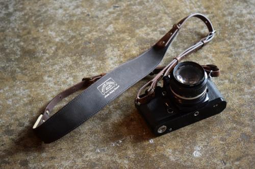 ANCHOR BRIDGE × ROBERU CameraStrap KUDU [Dark Brown]