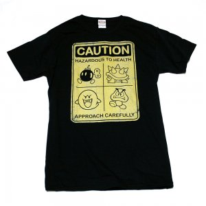 <img class='new_mark_img1' src='//img.shop-pro.jp/img/new/icons5.gif' style='border:none;display:inline;margin:0px;padding:0px;width:auto;' />スーパーマリオ CAUTION Tシャツ
