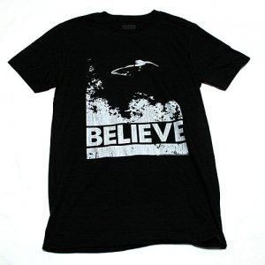 <img class='new_mark_img1' src='https://img.shop-pro.jp/img/new/icons5.gif' style='border:none;display:inline;margin:0px;padding:0px;width:auto;' />X-ファイル BELIEVE Tシャツ