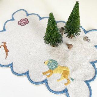 刺繍をプラスして楽しむテーブルマット(白/オレンジ)