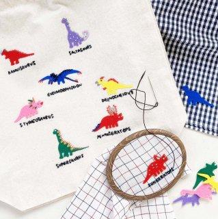刺繍もできる『恐竜』のアイロンワッペン