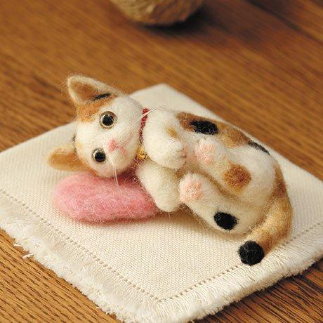 ハマナカ フェルト羊毛キット 羊毛フェルトでうちのこをつくろう! 三毛猫 H441-364 【参考画像1】