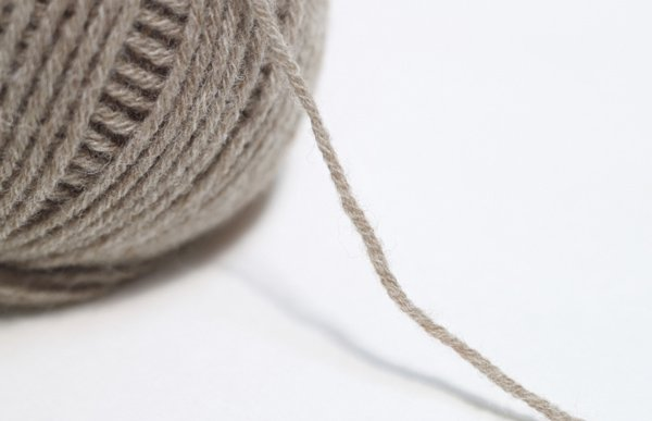 横田 ダルマ毛糸 空気をまぜて糸にしたウールアルパカ col.11 【参考画像4】