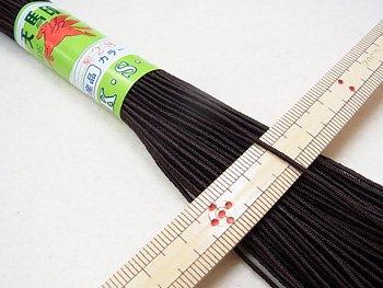 金天馬 カラー細丸ゴム 茶 #28 直径約1mm 30m乱 KW91330