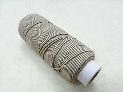 ■品切れ■ 金天馬 ゴムカタン糸 ベージュ ゴムシャーリングやニットの伸び止めに 【参考画像1】