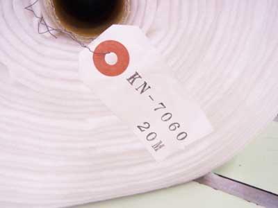送料無料 ミシンキルト用薄手キルト芯 KN7060 1反20m 125cm幅 【参考画像3】