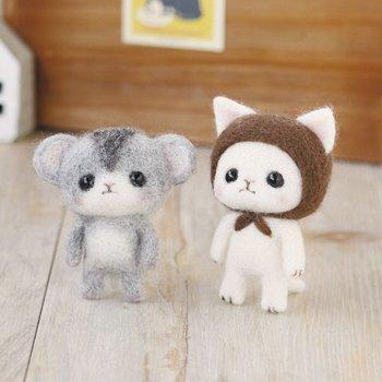 ハマナカ つぶらな瞳の羊毛マスコット 茶色のずきんの白猫とジャンガリアンハムスター H441-371