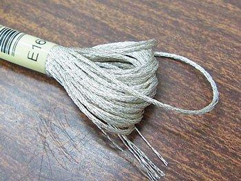 DMC ラメ刺繍糸 銀 シルバー 25番糸 E168