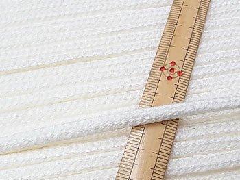 アクリルひも 白 太さ約5x3mm 1反約50m