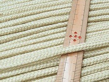 アクリルひも ベージュ 太さ約5x3mm 1反約50m