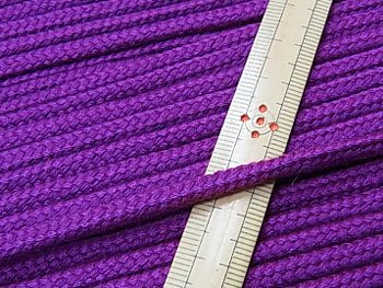 アクリルひも 紫 太さ約5x3mm 1反約50m