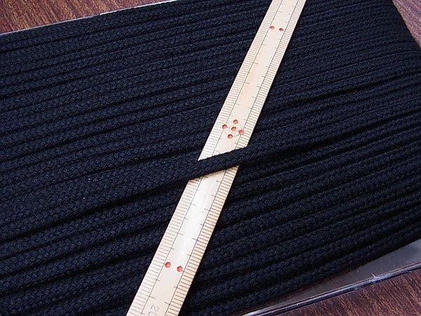 アクリルひも 黒 太さ約5x3mm 1反約50m 【参考画像1】
