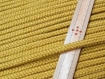 アクリルひも 黄土色 太さ約5x3mm 1反約50m