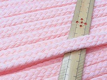 アクリルひも スピンドル紐 薄ピンク 太さ約9x5mm 1反約25m