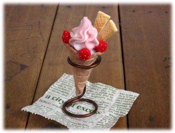 ロイヤル フェルト手芸キット スイーツカフェキット ソフトクリーム イチゴ