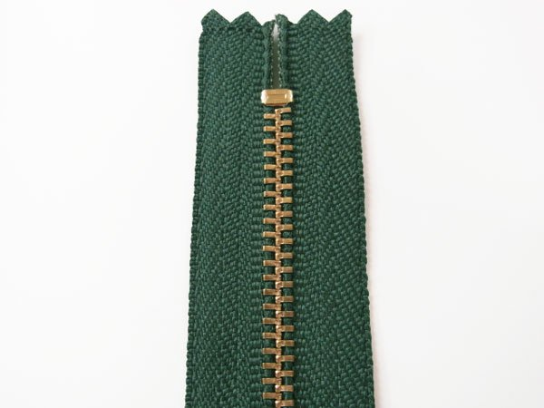 YKK 3G 玉付きファスナー 12cm ゴールド col.530 深緑 【参考画像2】