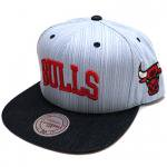 Mitchell & Ness Textured Stripe Denim SnapBack Cap CHICAGO BULLS(NAVY/RED)/ミッチェル&ネス<img class='new_mark_img2' src='//img.shop-pro.jp/img/new/icons29.gif' style='border:none;display:inline;margin:0px;padding:0px;width:auto;' />
