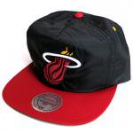Mitchell & Ness Nylon RipStop cap Miami Heat(Black)/ミッチェル&ネス ナイロン キャップ ヒート<img class='new_mark_img2' src='https://img.shop-pro.jp/img/new/icons20.gif' style='border:none;display:inline;margin:0px;padding:0px;width:auto;' />