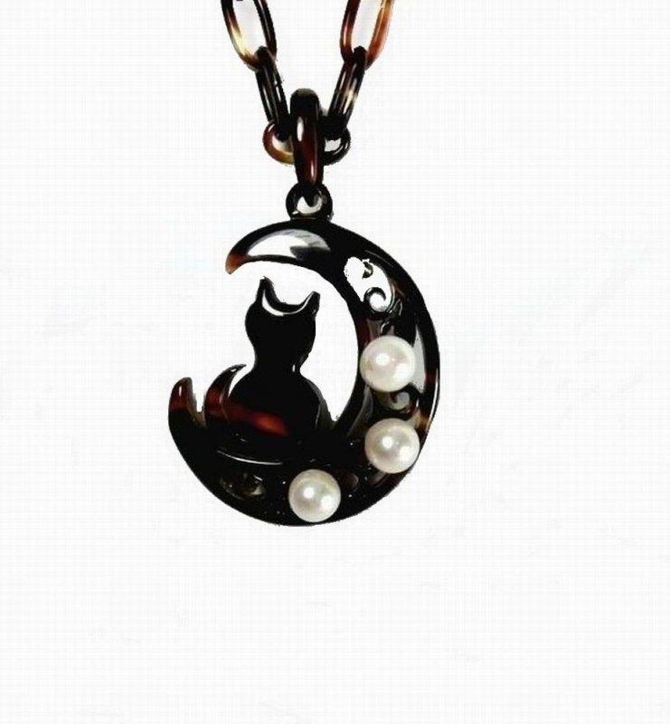 ■本べっ甲透かし彫りあこや本真珠付ペンダント(ねこ)−67