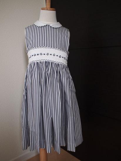 a459d111548a4 スモッキング刺繍 ワンピース《ネイビーストライプ》 - ハンドメイド刺繍&輸入子供服のお店 Tierra