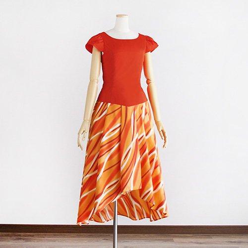 【チューリップ袖のモデルスイート】サンシャインオレンジ ウェーブ柄 タックスカート フィッシュカット