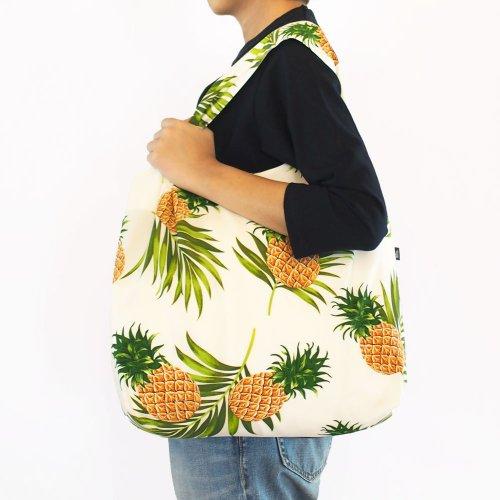 ハワイアンエコバッグ 白色 パイナップル柄