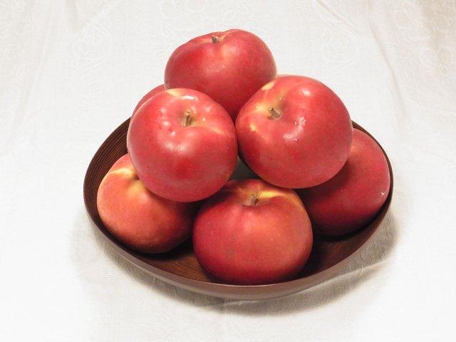 オホーツク産「旭」/昔懐かし甘酸っぱいりんご Mサイズ 8Kg【セール価格】