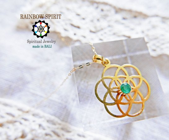 【GOLD K18YG】神聖幾何学模様Seed of Lifeのエメラルドのイエローゴールドネックレス(K18刻印あり)