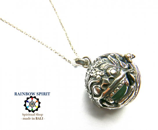 [プラチナ加工 / Pt1000PP]バリ島の神様「バロン」の中身が取り出せるネックレス(アベンチュリン)