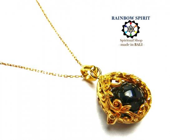 《バリ島ガムランボール》[純金コーティング/GOLD K24RGP]卵の形の中身が取り出せるゴールドネックレス(オニキス…