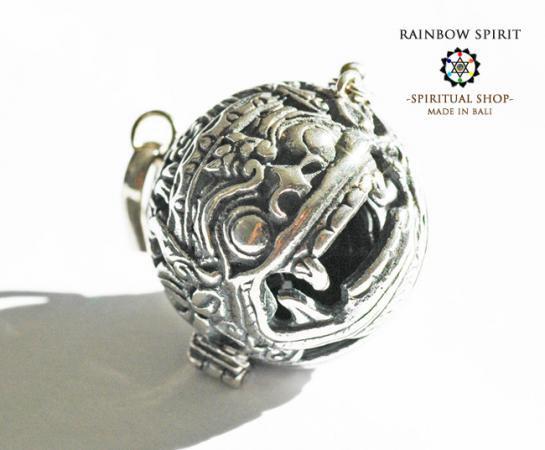 [Silver925]バリ島の神様「バロン」の中身が取り出せるシルバーペンダント(オブシディアン)