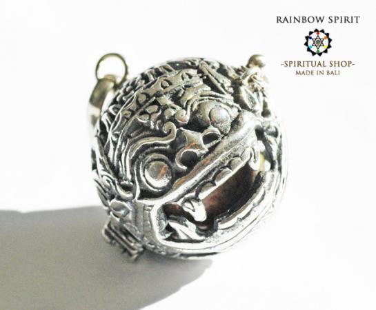 [Silver925]バリ島の神様「バロン」の中身が取り出せるシルバーペンダント(ウナカイト)