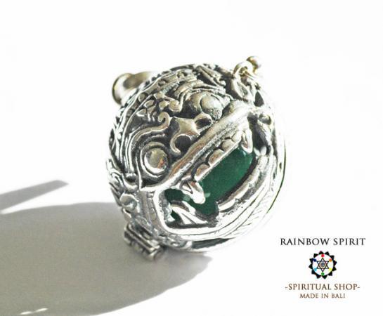 [Silver925]バリ島の神様「バロン」の中身が取り出せるシルバーペンダント(ジェイド/翡翠)